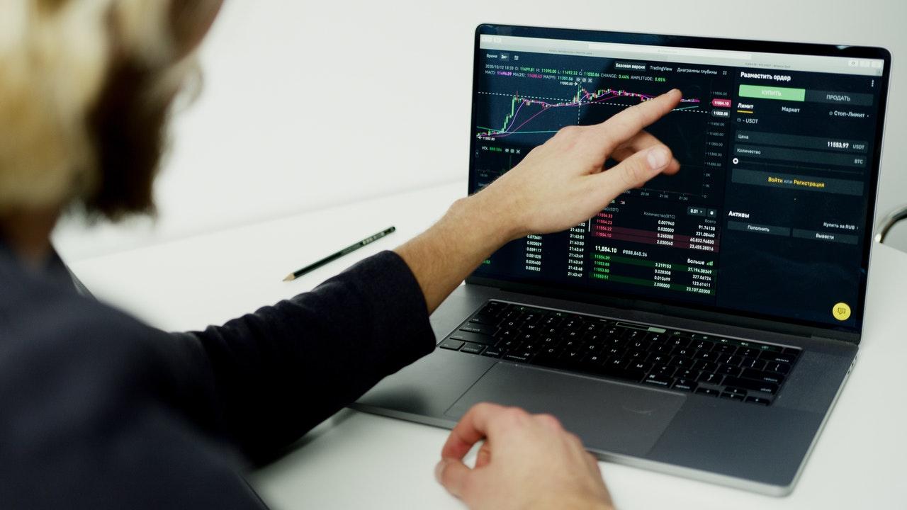 Resiko dan Keuntungan investasi saham